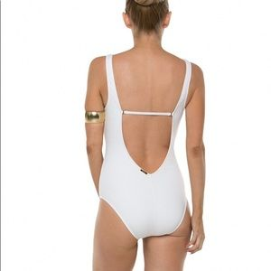 Laundry By Shelli Segal Swim - NWOT. Laundry by Shelli Segal One Piece Swimsuit.